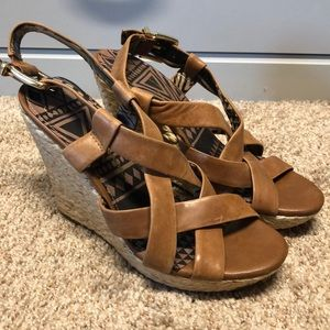 Jessica Simpson tan leather wedge sandal